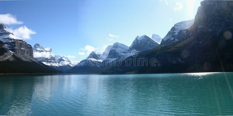 Berg und See lizenzfreie stockfotos
