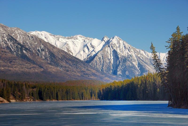 Berg und Seen in Rockies lizenzfreies stockbild