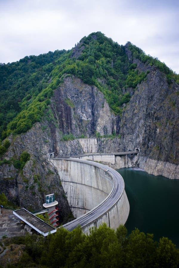 Berg, Verdammung und See stockbilder