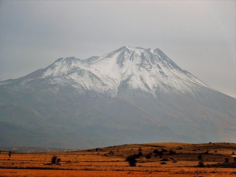Berg von Anatolien lizenzfreie stockfotos