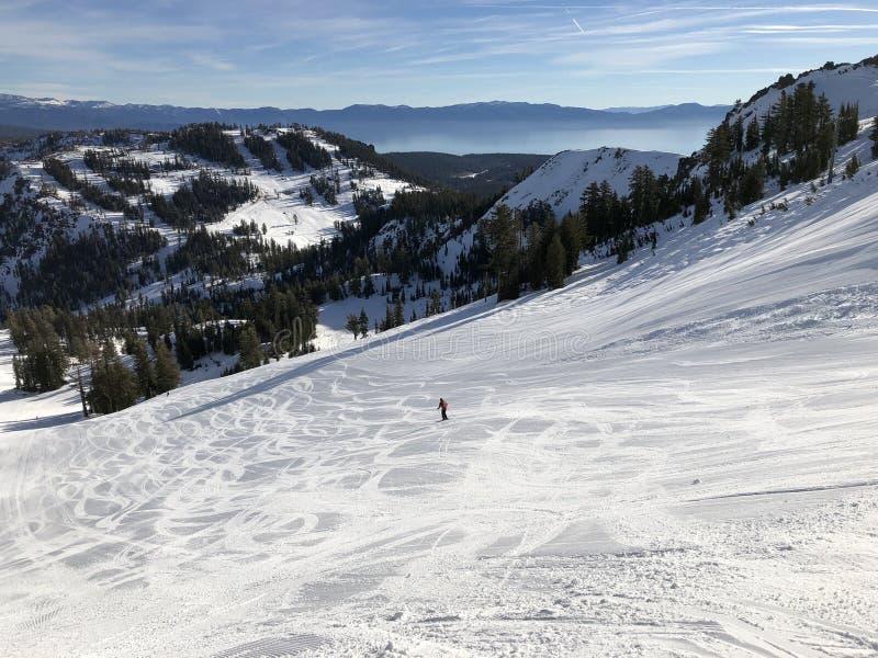 Bergaf ski?end dichtbij Meer Tahoe, Californië royalty-vrije stock foto's