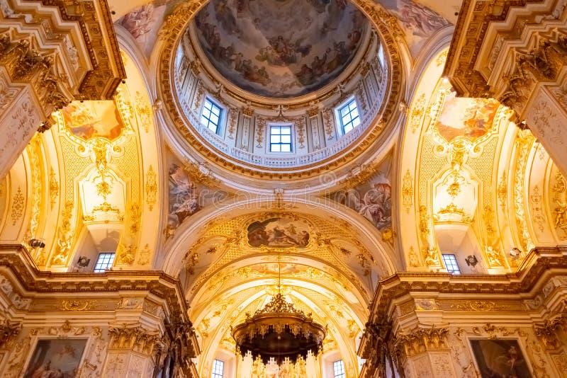 Bergame, Italie - 25 janvier 2019 - à l'intérieur d'intérieur de cathédrale dans Citta Alta, Di Bergame, une cathédrale de Catted photos stock