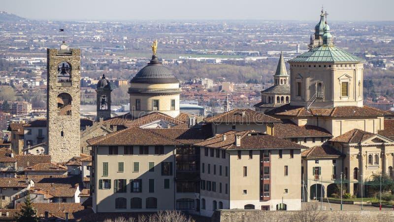Bergamo Jeden piękny miasto w Włochy Krajobraz przy starym miasteczkiem od świętego Vigilio wzgórza obrazy royalty free