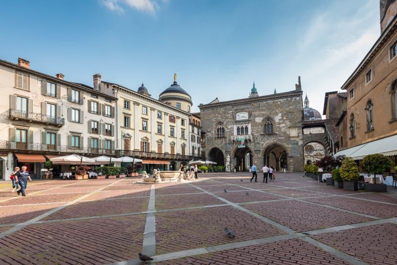 Bergamo piazza Vecchia arkivfoto