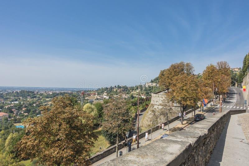Bergamo, widok od Starego miasta obrazy stock