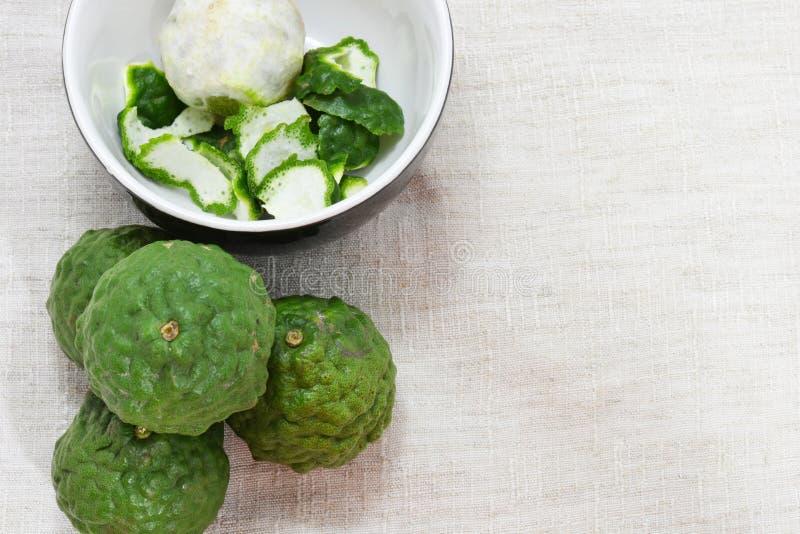 Bergamotfrukt på tyg arkivbild