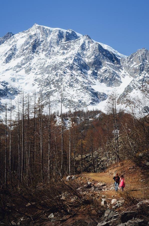 Bergbanaho Monte Rosa Massif Piedmont, Italien arkivbilder