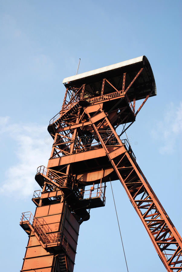 Bergbau-Kontrollturm lizenzfreie stockfotos