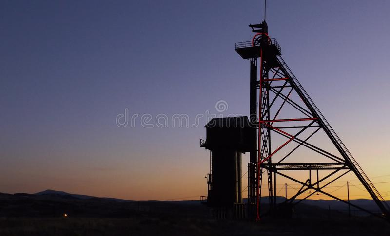 Bergbau shilouettes stockfotografie