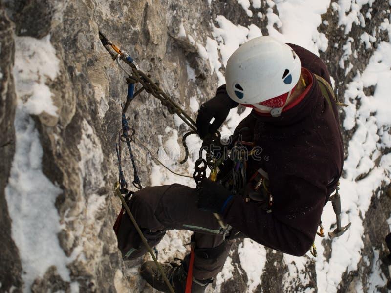Bergbeklimmer stock foto's