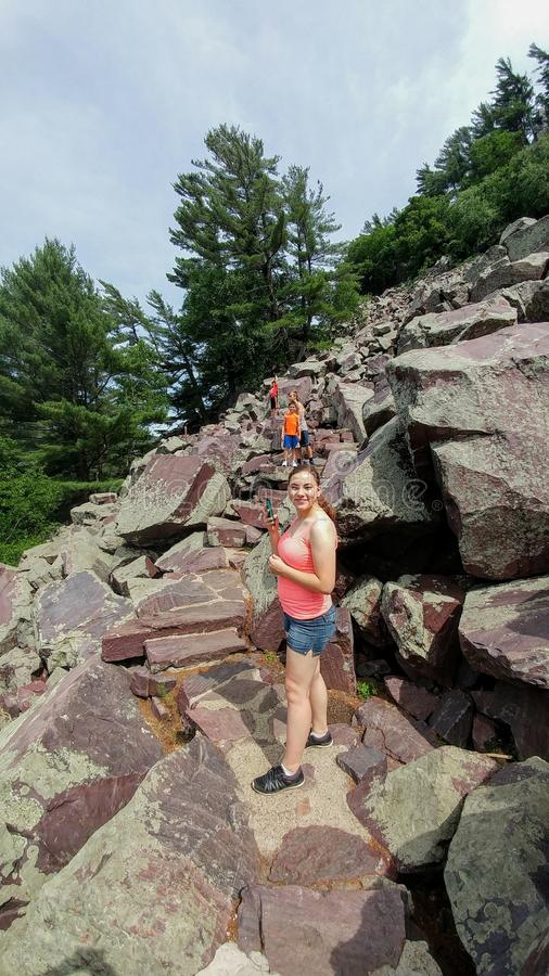 Bergbeklimming - het Park van de Staat van het Duivels` s Meer - Baraboo, WI royalty-vrije stock foto