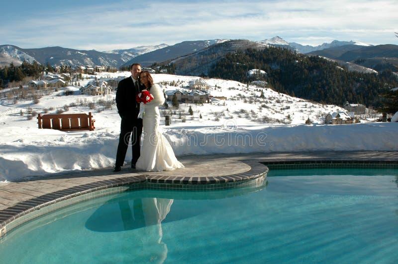 bergbröllop royaltyfria bilder