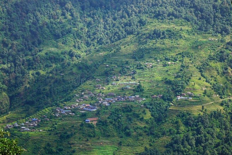 Bergby i Pokhara, Nepal arkivbilder