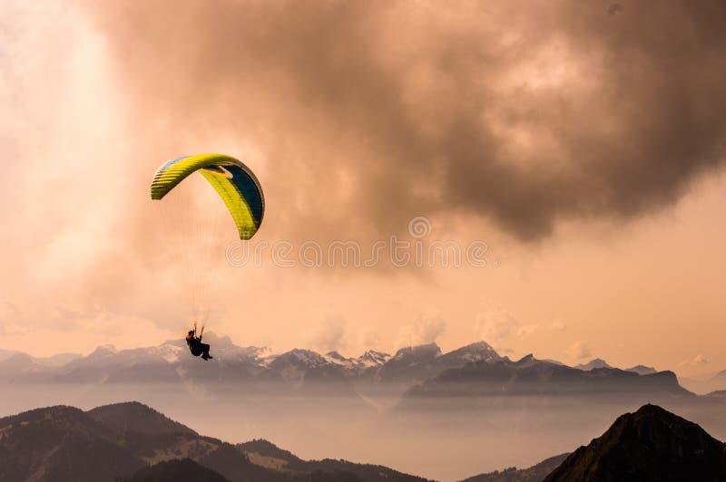 Bergdeltaplaning stock foto's