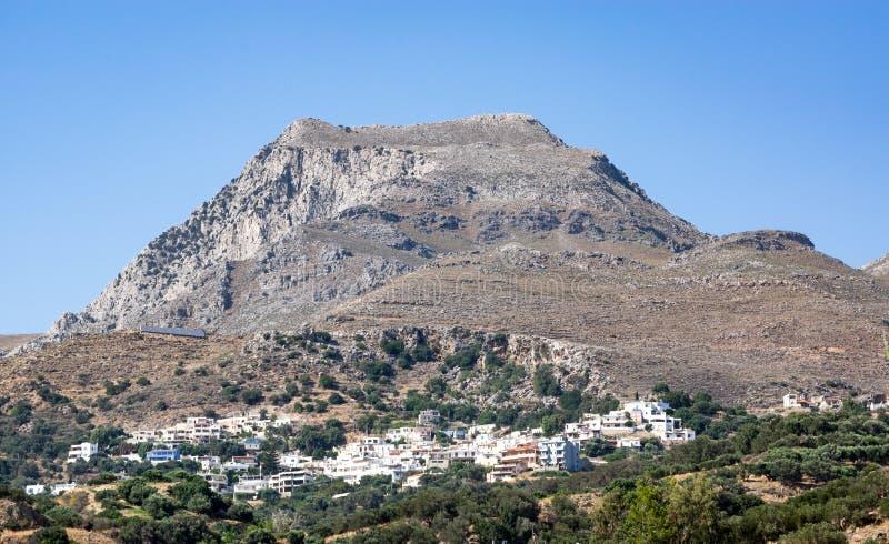 Bergdorp dichtbij Plakias-toevlucht, het eiland van Kreta, Griekenland royalty-vrije stock afbeeldingen