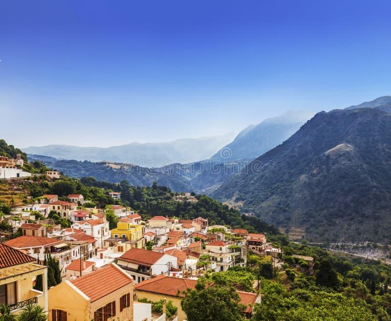 Bergdorp in Kreta, Griekenland royalty-vrije stock afbeelding
