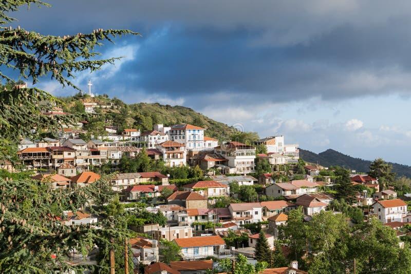 Bergdorp Pedoulas in het district van Nicosia, Troodos-bergen, Cyprus royalty-vrije stock afbeelding