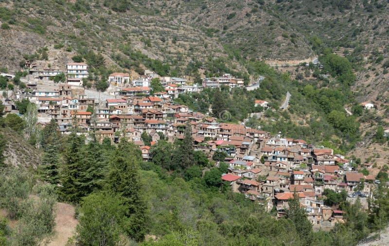 Bergdorp van Askas bij Troodos-bergen, Cyprus stock foto