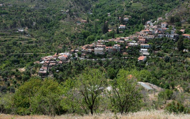 Bergdorp van Askas bij Troodos-bergen, Cyprus stock foto's