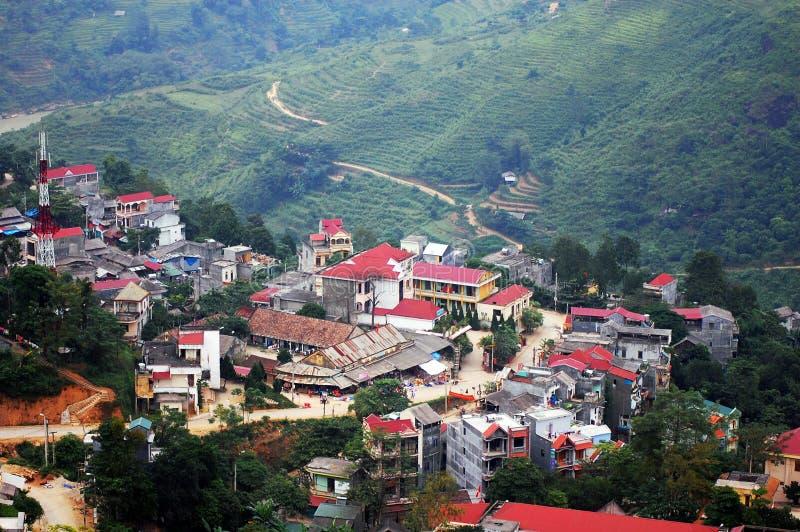 Bergdorp in Xin Man-stad, noordelijk Vietnam royalty-vrije stock afbeelding