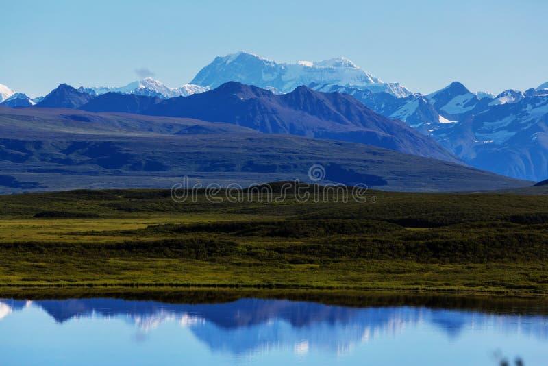 Download Berge in Alaska stockfoto. Bild von alaska, outdoor, hoch - 90227848