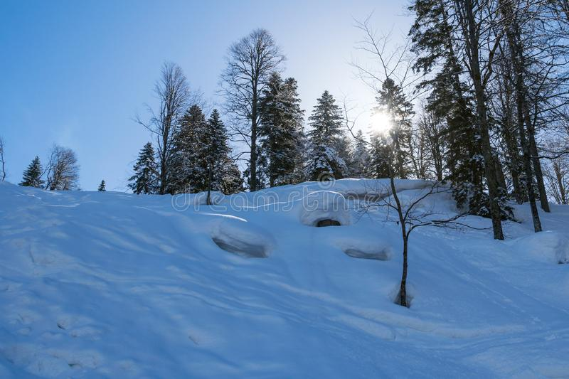 Berge bedeckt mit Schnee snowcaps Landschaft stockfoto