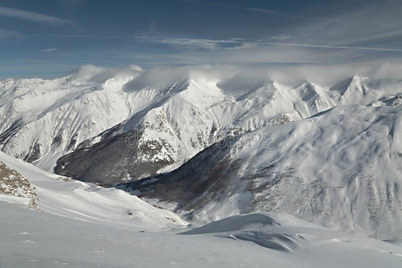 Berge in den Alpen stockbild