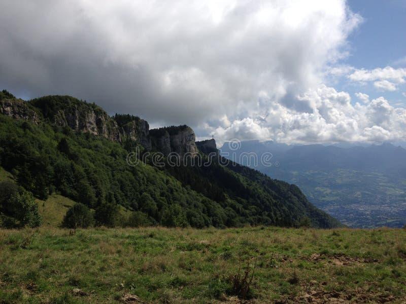 Berge in den Alpen lizenzfreies stockbild