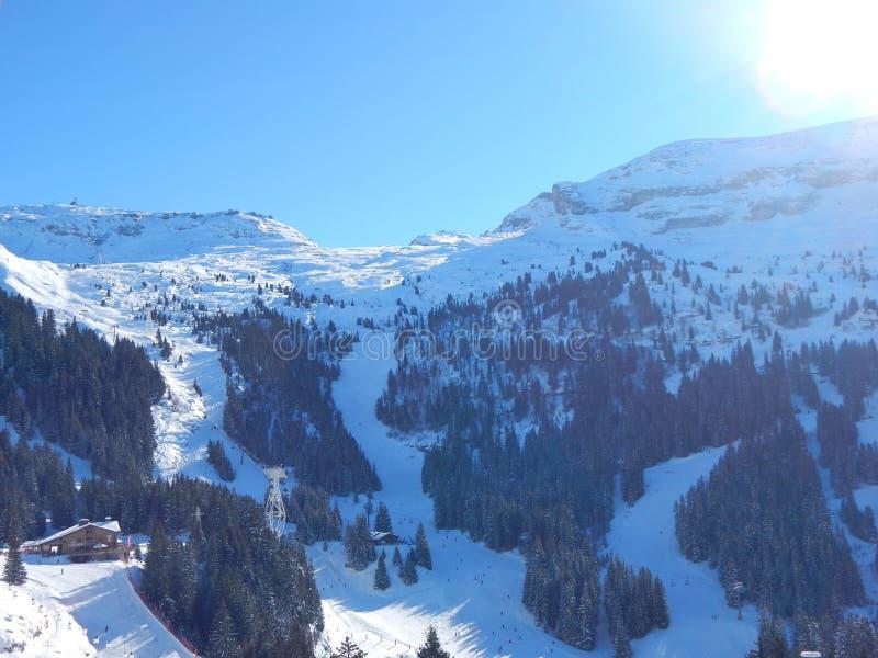 Berge in den französischen Alpen stockbild