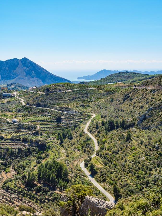 Berge gestalten landschaftlich und fahren Ansicht, Spanien die Küste entlang stockfotografie