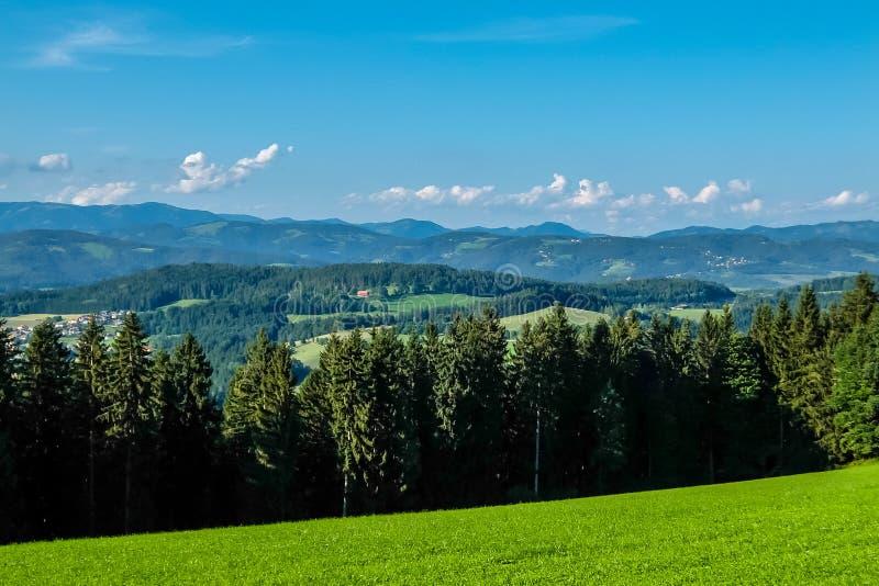 Berge nahe Kreuzberg, Österreich lizenzfreies stockbild