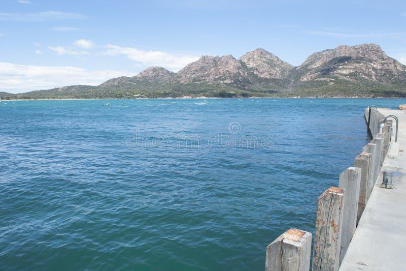 Berge an Nationalpark Tasmanien Freycinet lizenzfreie stockfotografie