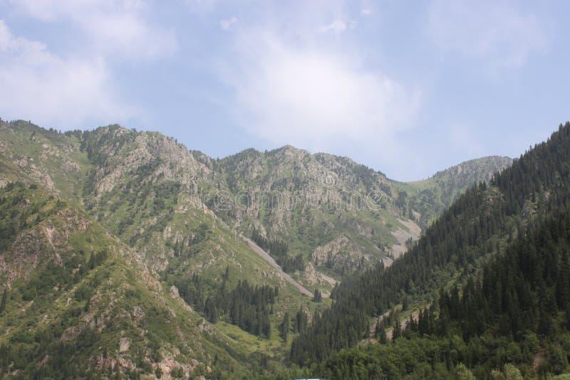 Berge von Kasachstan lizenzfreie stockfotos