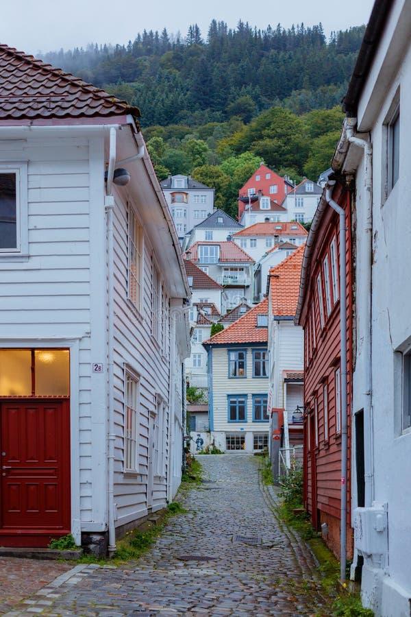 bergen Норвегия Взгляд исторических зданий Место всемирного наследия стоковое изображение rf