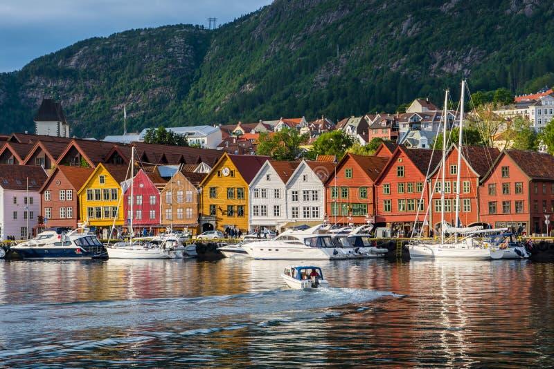 bergen Норвегия Взгляд исторических зданий в Bryggen- Hanseat стоковое фото rf