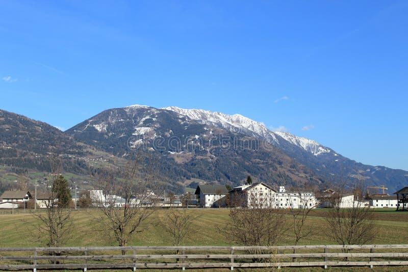 Bergen de Oost- van Tirol van Lienz aan het oosten royalty-vrije stock afbeelding
