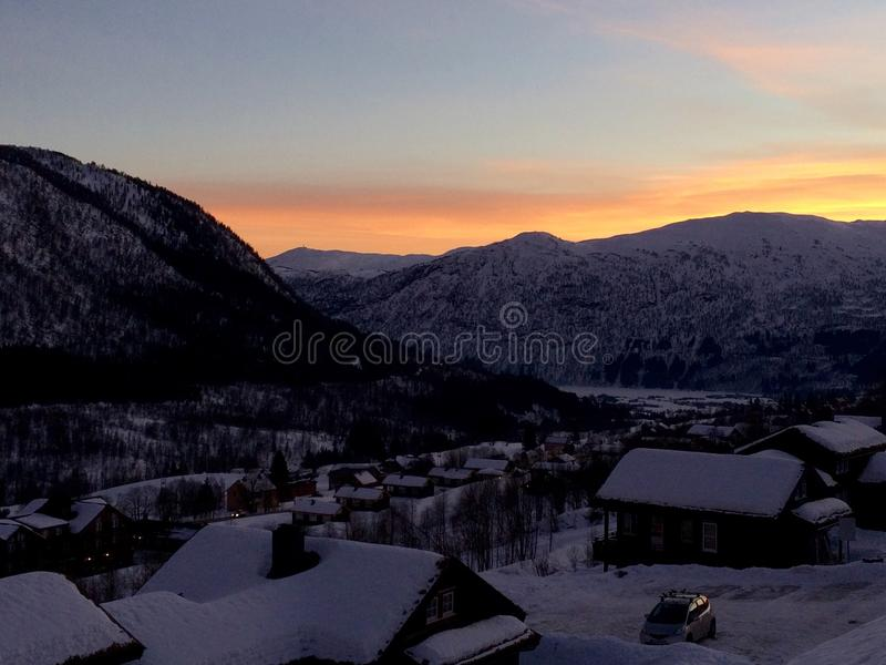 Bergen in de zonsondergang royalty-vrije stock foto