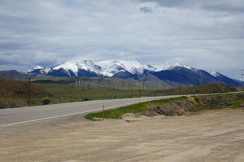 Bergen dichtbij Challis, Idaho stock afbeeldingen