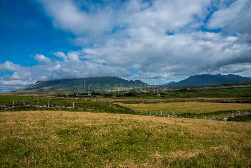 Bergen en Valleien in Provincie Mayo royalty-vrije stock afbeeldingen