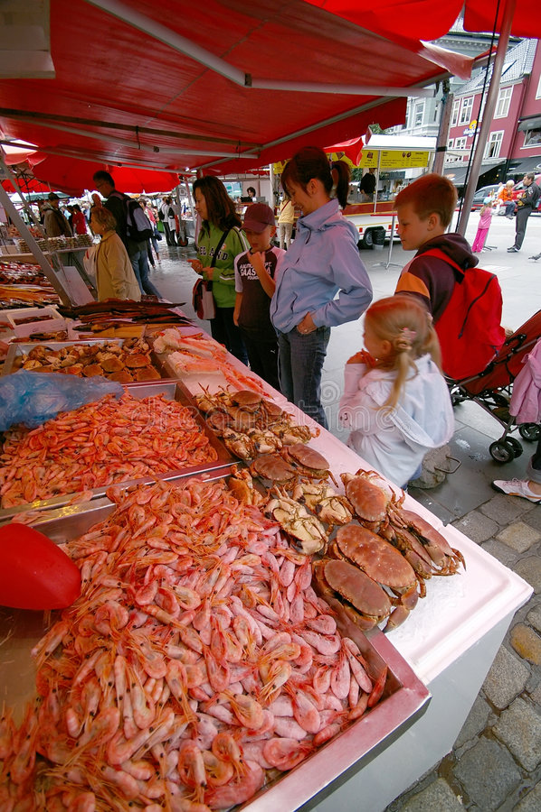 bergen fiskmarknad royaltyfri bild