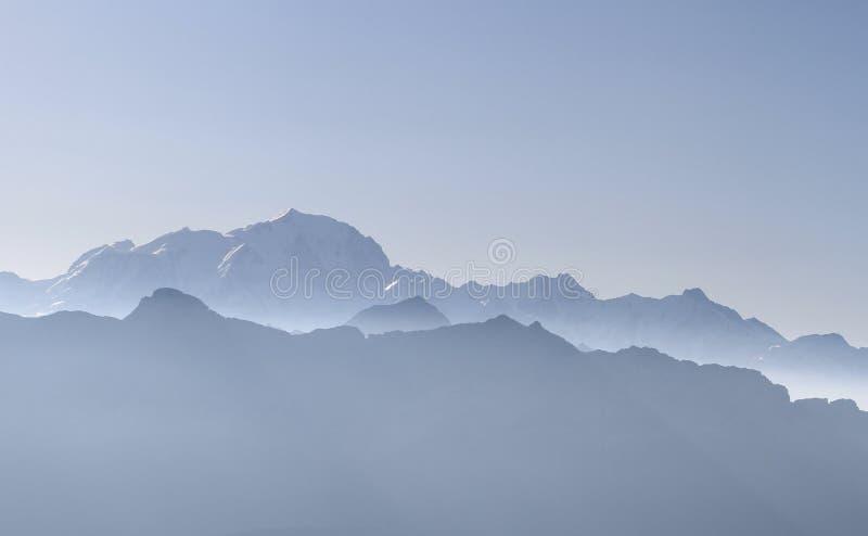 Bergen Franse alpen met Mont Blanc, Chamonix royalty-vrije stock fotografie