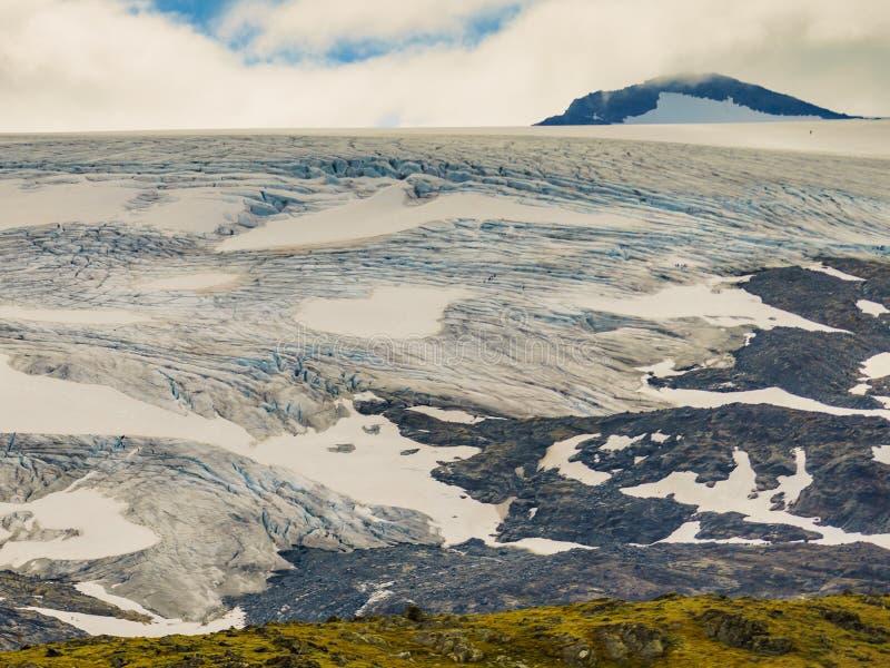 Bergen met ijsgletsjer Weg Sognefjellet, Noorwegen royalty-vrije stock afbeelding