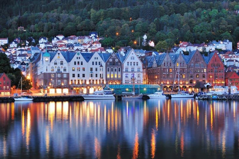 Bergen Night Scene Norge royaltyfria foton