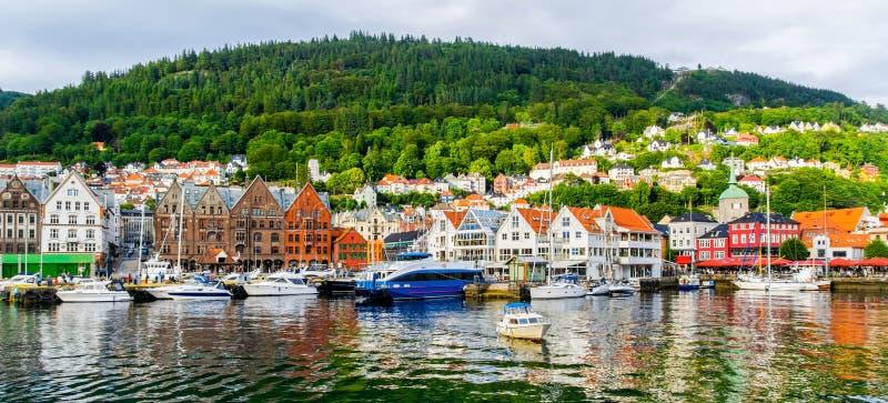 Bergen, Noorwegen Mening van historische gebouwen in Bryggen- Hanseat royalty-vrije stock afbeeldingen