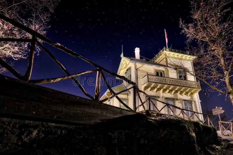 Bergen, Noorwegen: Troldhaugen - Huis van de beroemde Noorse componist en de pianist Edvard Grieg stock afbeelding