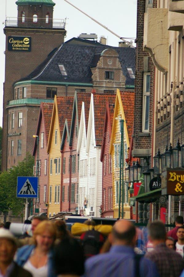 bergen norway Bryggen gata royaltyfri fotografi