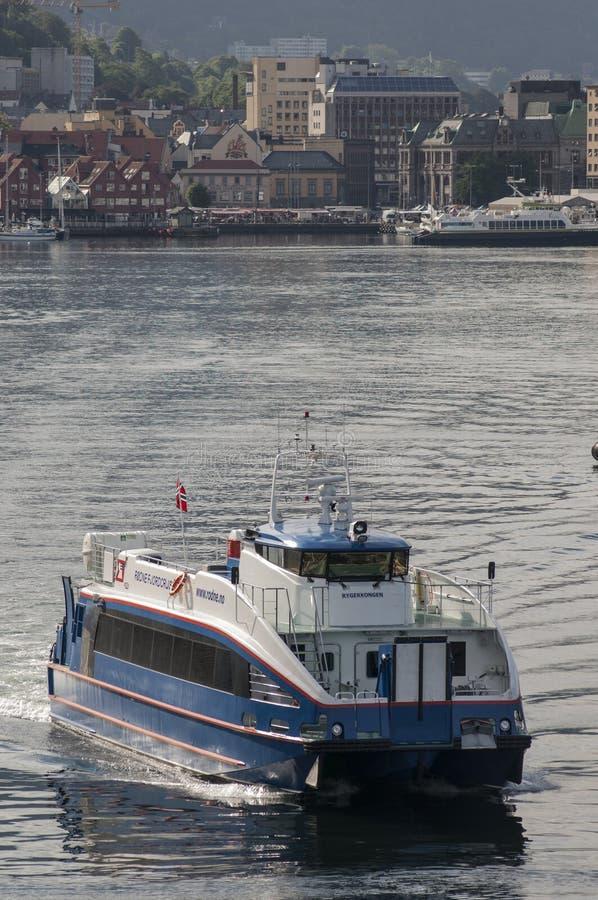 BERGEN/NORWAY - Rodne 6月21日2007年Fjordcruise轮渡叶子是 免版税图库摄影