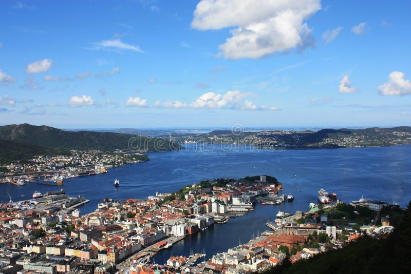 Bergen Skandinavien sikt från över royaltyfria foton