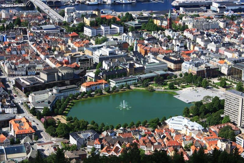 Bergen Skandinavien sikt från över fotografering för bildbyråer