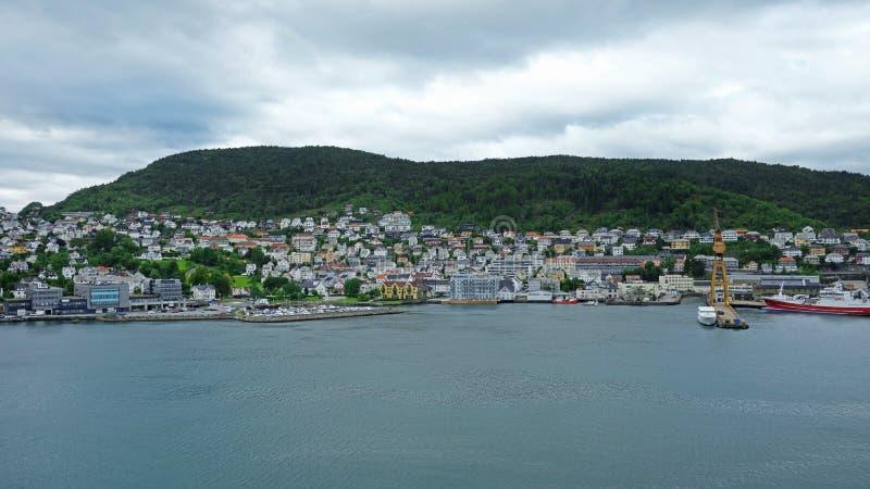 Bergen stad från terminalen Doken, Norge för kryssningskepp arkivfoton